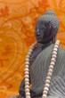 ZEN Buddha schwarz mit Mala-Kette 02