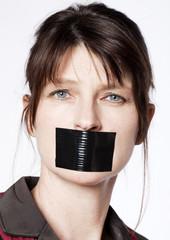 business woman mécontente silencieuse