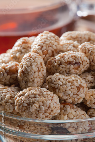 Almonds in sugar and sesame