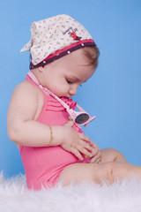 fillette de 8 mois en mode estivale