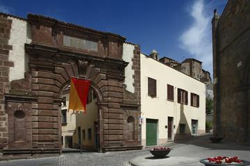 Bolsena,  Porta San Giovanni