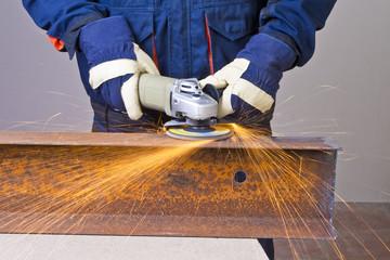 Work with grinder