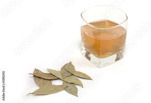 Decoction of bay leaf. folk medicine