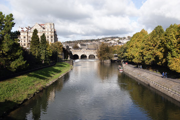 Pulteney Bridge crossing the river avon in Bath,Somerset,England