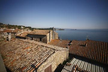 Lago di Bolsena, Marta, vicoli e case