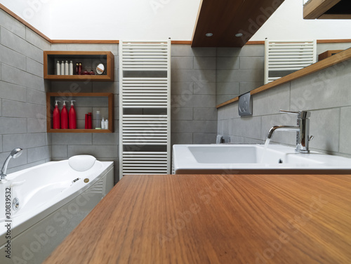Top bagno moderno con vasca da bagno with bagni con vasca moderni - Bagni moderni con vasca ...