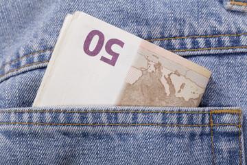 euros en el bolsillo