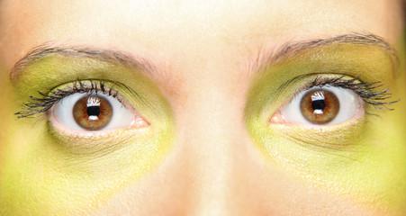 Green make-up