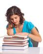 Frau beim lesen im Buch