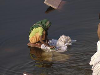 Lavando la ropa en la India
