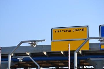 Sistema automatico di riscossione pedaggio autostradale,