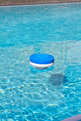 Pool Chlorine Cleaning Device
