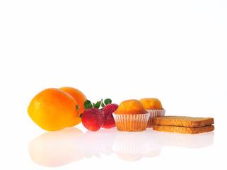 Fruta,pan y bolleria.