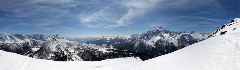 panoramica vallata alpina Valmalenco - Italy