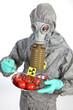 Atomar verstrahlte Lebensmittel - Tomaten mit Atom-Zeichen