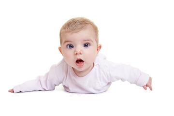 Staunendes Baby auf dem Boden