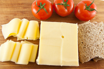 Cheese - tomatoe - and bread