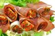 prosciutto nadziewane serem z przyprawami i ziołami
