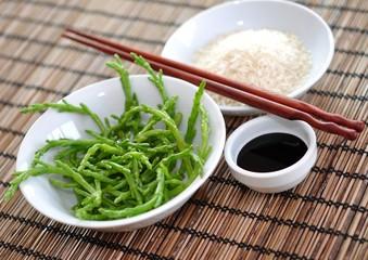 Algensalat mit Reis