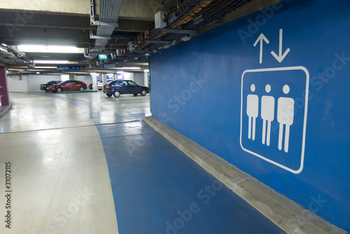 Leinwanddruck Bild parking