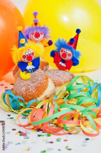 Krapfen mit Clowns auf Kindergeburtstag