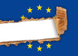 bandiera europea strappata