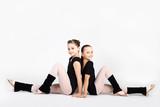 Fototapety Athletic girls