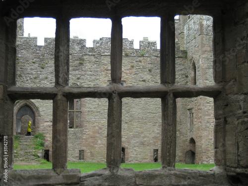 castle looking through ruin window - 31142711