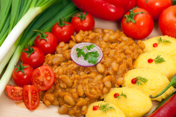 Baked beans with hominy