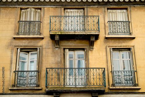 Vieille facade maison a renover photo libre de droits sur la banque d 39 images - Renover facade de maison ...