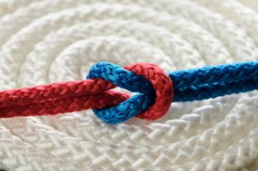 Nodo rosso blu