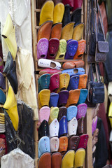Schuhe in der Medina – Reisebilder Marokko
