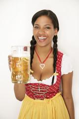 Oktoberfest Bier anprosten