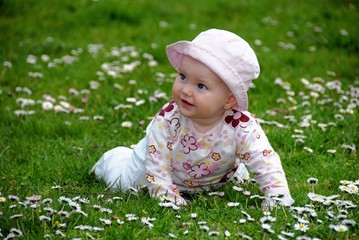 Cute Baby outdoor within daysis