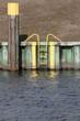 Leinwanddruck Bild - Sicherheitsleiter am Kanal