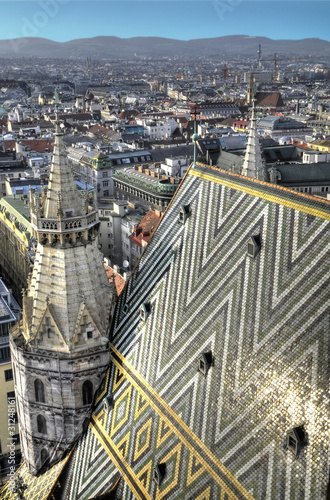 Wien: Blick über Häuser und Dächer vom Stephansdom 1