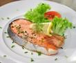 Lachssteak mit Salat