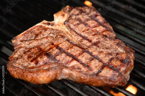 T-Bone Steak on the Grill - 31329319