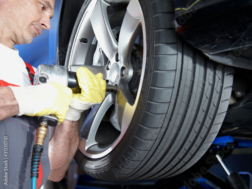 Tyre fitting with new alu rim