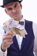 Uomo con soldi in mano