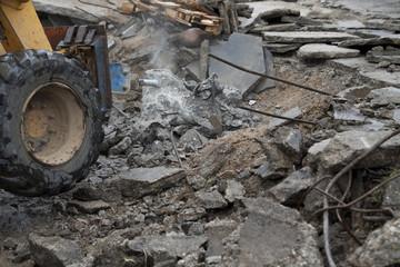 jackhammer drilling asphalt