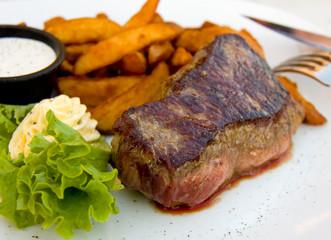 Steak mit Dip,Kartoffel Wedges,Butter