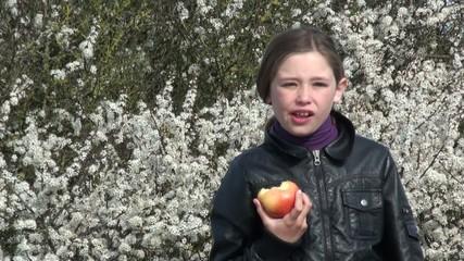 cdévorer une pomme