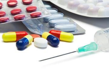 Pills and serynge