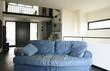 interno di casa moderna arredata