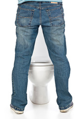 man pee on toilet