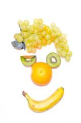 Uvas,platano,kiwi y naranja.
