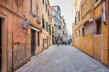 yellow Cannaregio