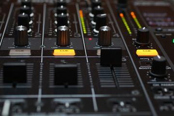 dj mixer 11