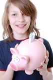 Junge mit Sparschwein